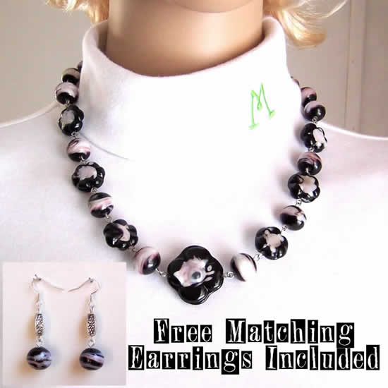 21 Inch Lilac In Black Flowers Hand Made Spring Celebration Mother's Day Necklace