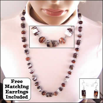 "28"" Dark Burgundy Swirl Vintage Glass Bead Necklace"