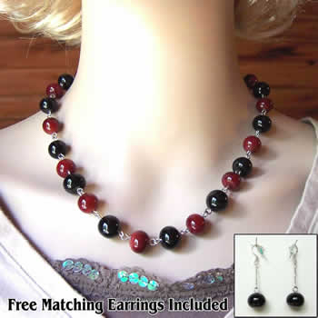 "19"" Black & Blood Red Necklace"